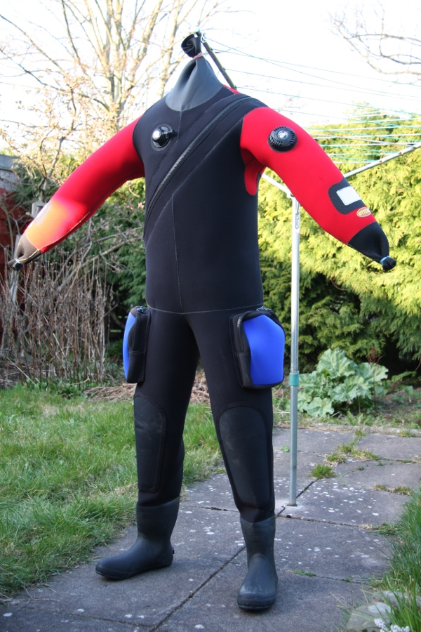 Dive Equipment/Dry_Suit.jpg